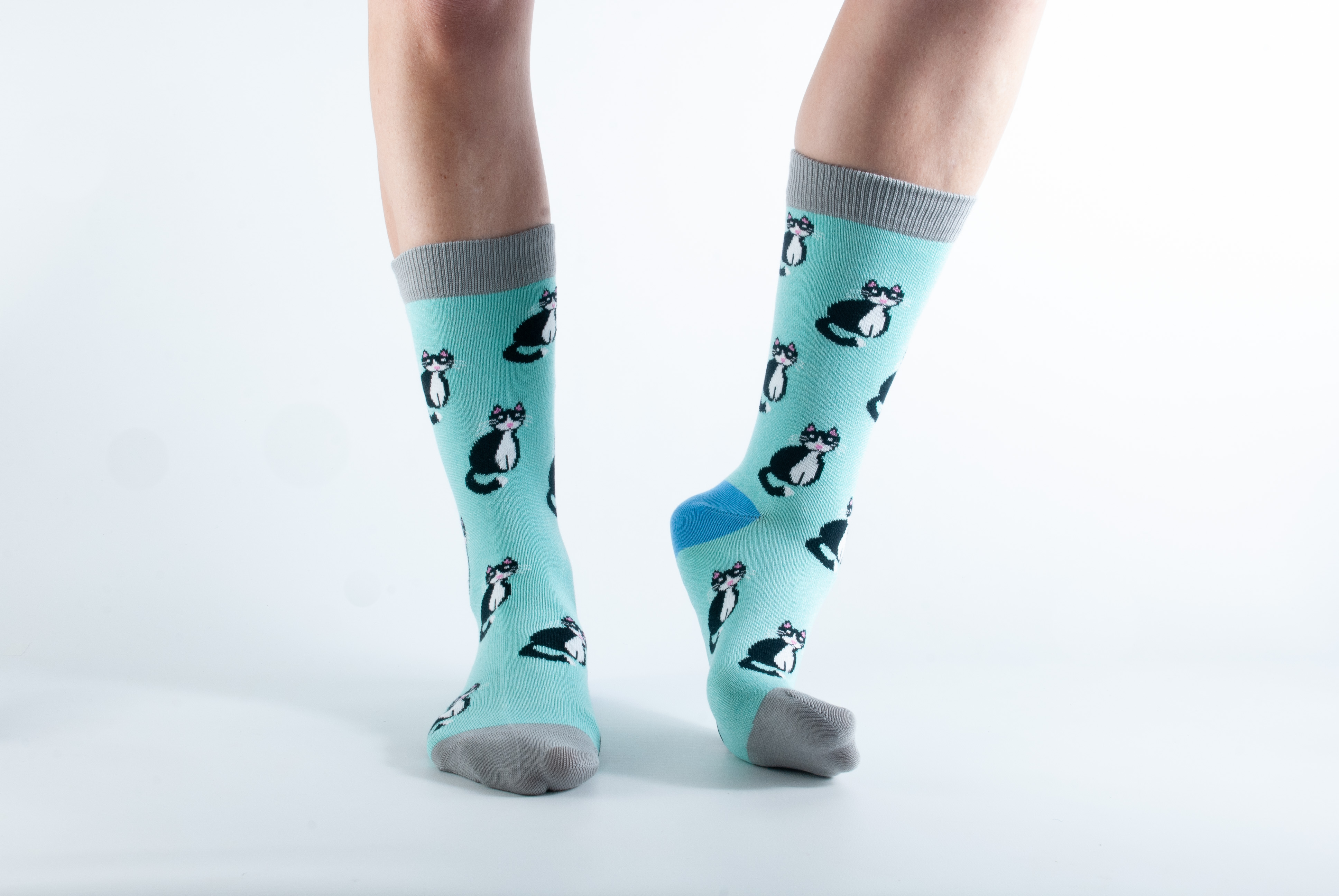 Womens Cat bamboo socks - mint and grey