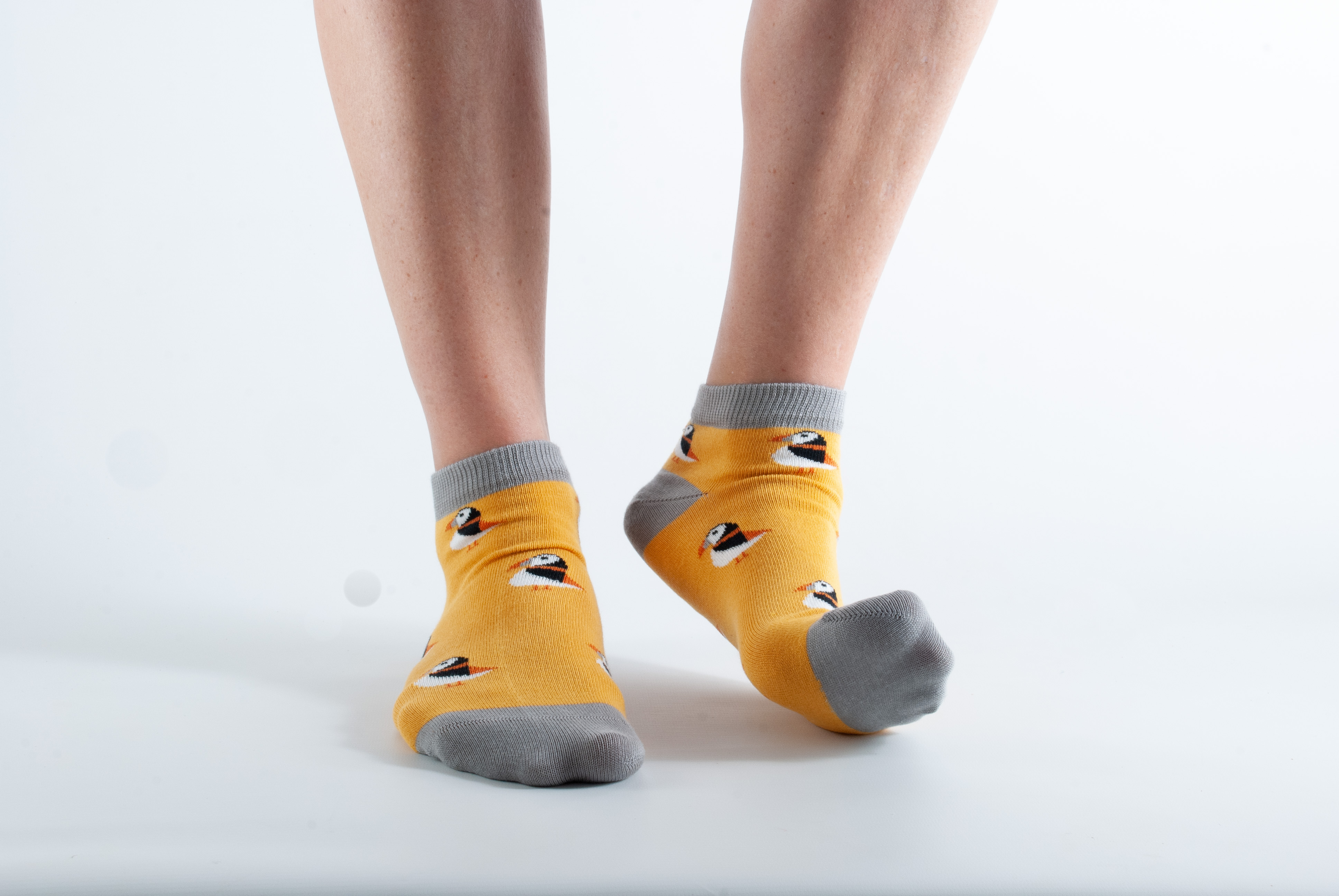 Womens ankle length Puffin socks - yellow and light grey